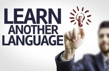R言語とは?統計解析、データ分析、グラフィック分野を得意とする歴史のある言語
