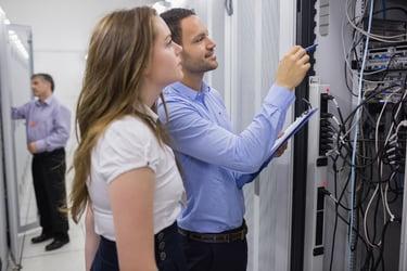 基幹系システムで行うべきサーバー管理とは?クラウドERPのメリットも解説