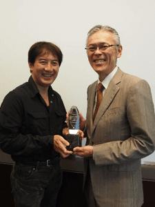GRANDIT AWARD受賞風景: GRANDIT社 山口社長(右)